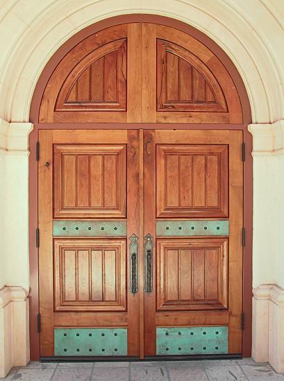 صور ابواب خشبيه رائعه Chapel_doors